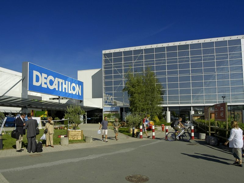 Decathlon campus a Vill. d' ASCQ  09/09/2004